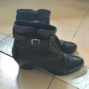 ロシアの冬を歩くブーツ