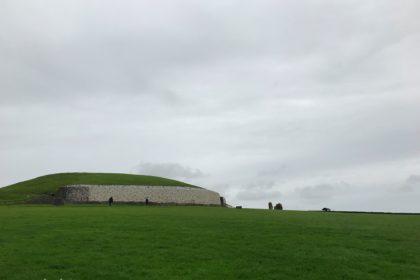 アイルランド ニューグレンジ