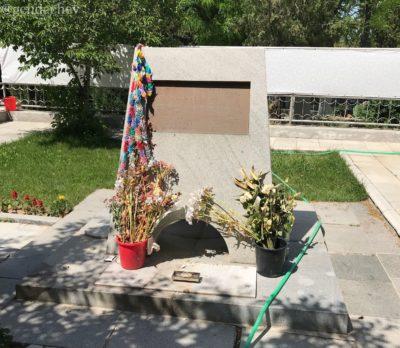 ウズベキスタン 日本人墓地