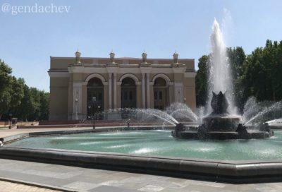 ウズベキスタン ナヴォイ劇場