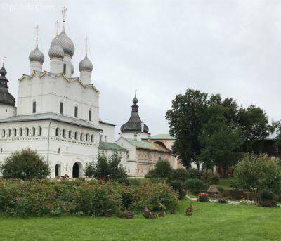 ロストフ・ヴェリーキー クレムリン バスクレセーニエ教会