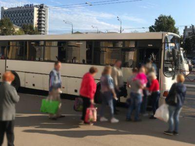 ヤロスラブリ ウグリチ行きのバス
